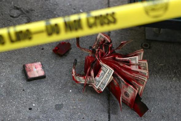 Верный признак кризиса: уничтожение банкиров - теперь целыми семьями