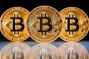 Михаил Делягин назвал принятие биткоина капитуляцией под глобальным мировым сообществом