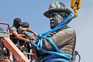 Инициированная США повальная болезнь подлости возвращается ко ним же: смыв памятников становится массовым
