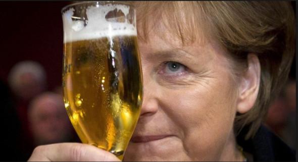 Немецкая власть останется русофобской, но Меркель не досидит до конца срока