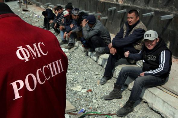 Экономисты предлагают ввести в России грин-карты для мигрантов