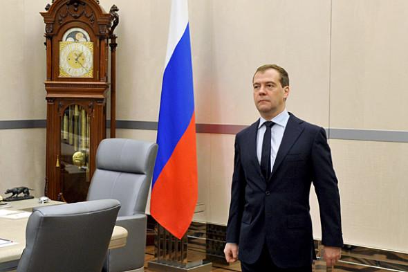 Медведев может покинуть свой пост, но главные «финансисты» останутся