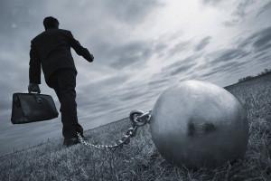 Всё больше граждан РФ попадают в долговую яму