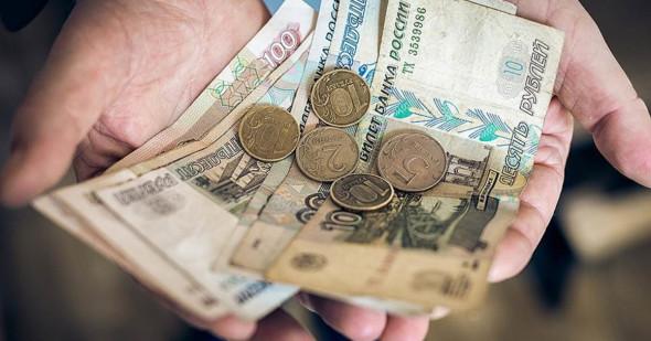 МРОТ в РФ издевательски низкий и его надо повысить в два раза